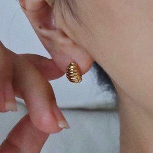 18k Gold Mini Croissant Dome Huggie Earrings